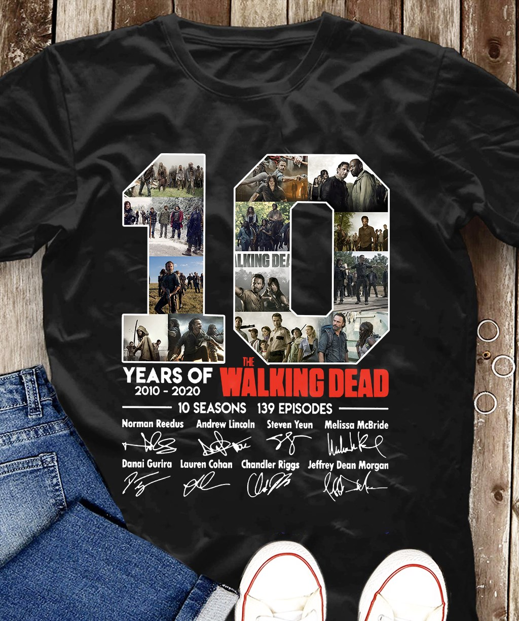 10 Years Of The Walking Dead 2010 - 2020 And Signatures Sweatshirt