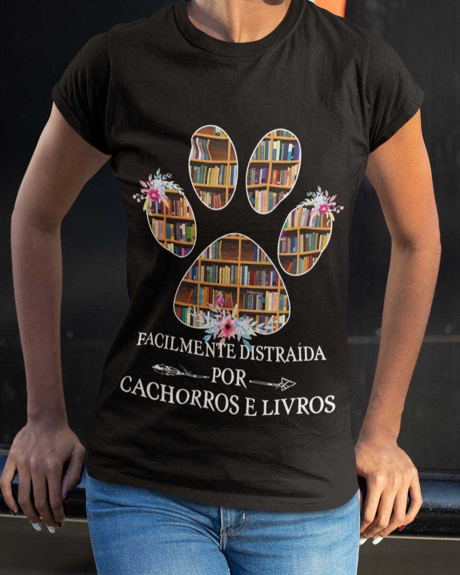 Facilmente Distraida Por Cachorros E Livros Men T-Shirt