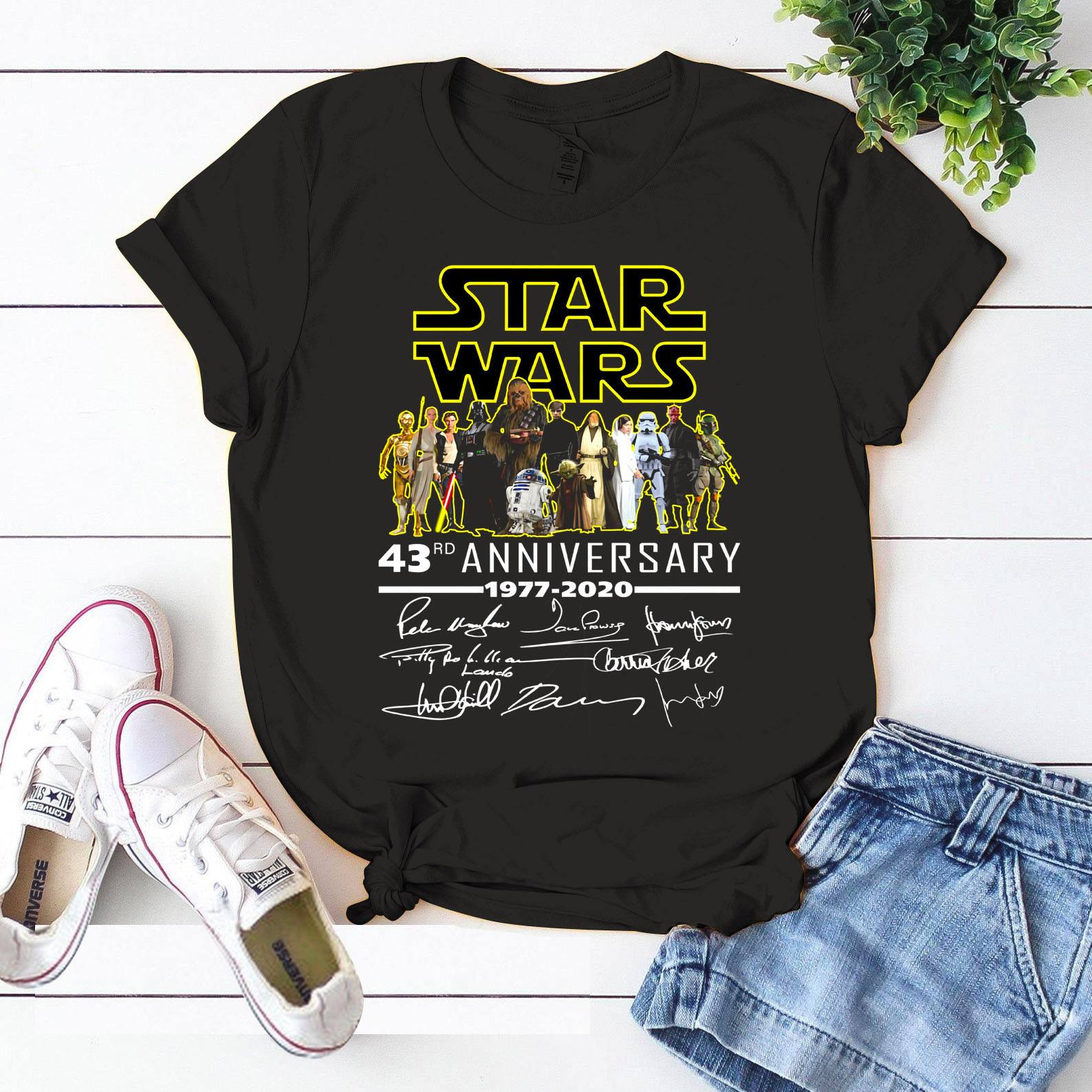 Star War 43rd Anniversary 1977 - 2020 And Members Signature Long Sleeve T-Shirt